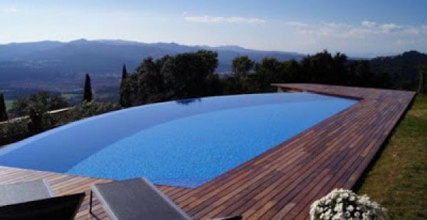 ¿Qué es una piscina infinita y cómo construirla?