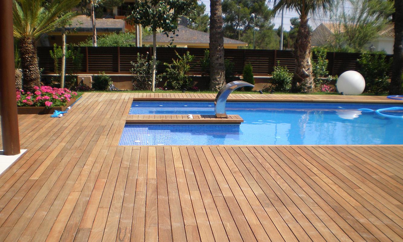 Tarima flotante para piscinas o exteriores. Las ultimas tendencias en reformas de suelos para terrazas