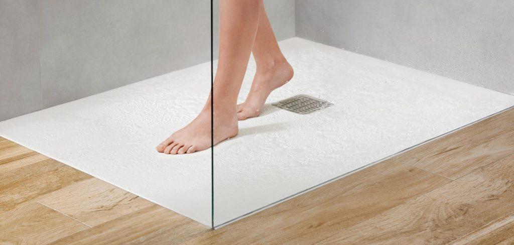 Platos de ducha antideslizantes, los modelos más recomendados para reformas de baños