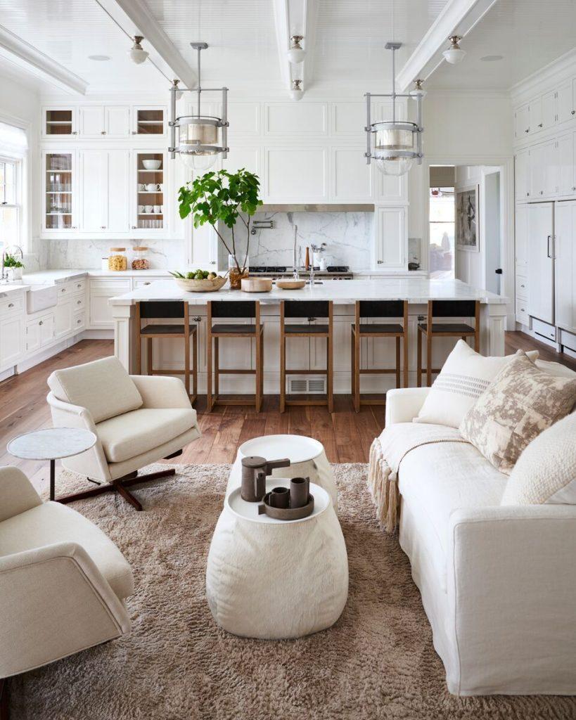 Open Concept con estilo clasico aplicado a una cocina con isla y salon