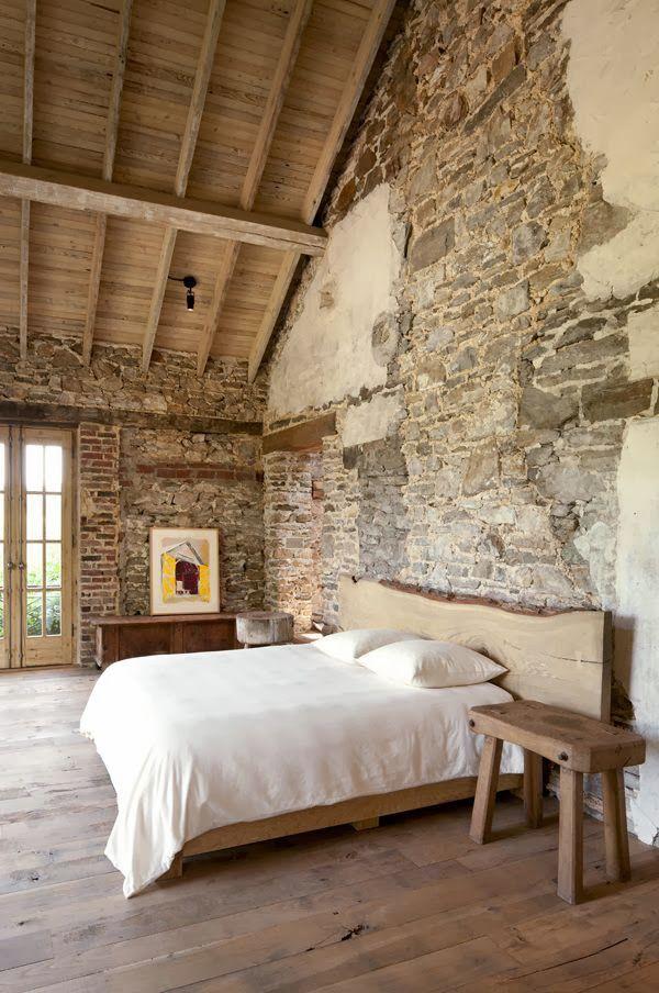 Paredes de piedra natural en reformas de casas antiguas